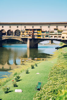 Italy, Florence, River Arno and Ponte Vecchio - GEMF000449