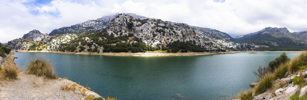 Spain, Mallorca, View of Serra de Tramuntana, Panorama of reservoir Gorg Blau - AMF004283