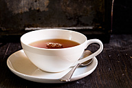 Black tea in white porcellain cup - SBDF002274