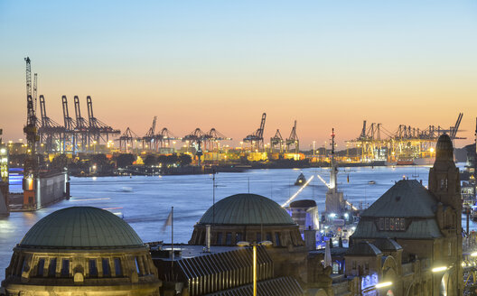 Germany, Hamburg, Port of Hamburg and St. Pauli Landing Stages in the evening - RJF000516