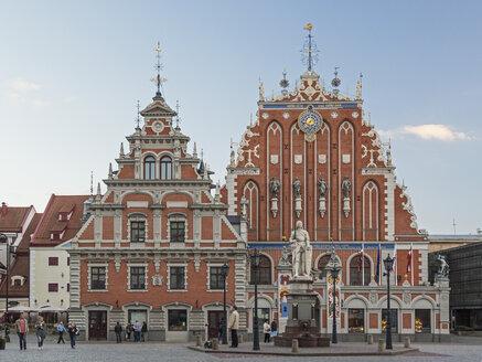 Latvia, Riga - Blackhead's House at dusk - MELF000099