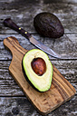Chopped avocado on chopping board - SARF002206