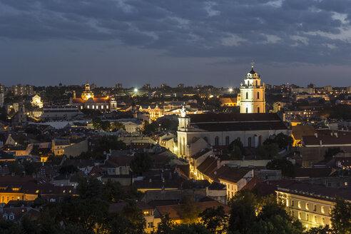 Lithuania, Vilnius, Old Town Vilnius in the evening, Church of St. John, Vilnius University on the right side - MELF000102