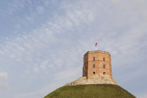 Lithuania, Vilnius, Gediminas Tower and hill - MELF000105