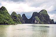 Vietnam, Gulf of Tonkin, Vinh Ha Long Bay - EHF000276