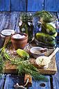 Gherkins fermenting, gherkins, dill, salt and mustard grains - SBDF002375