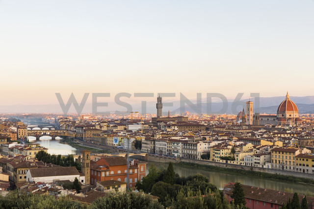 Italy, Tuscany, Florence, cityscape in the evening - FOF008292 - Fotofeeling/Westend61