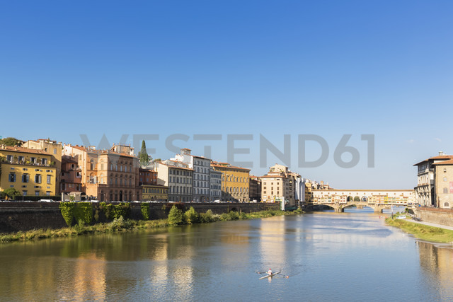 Italy, Florence, River Arno and Ponte Vecchio - FOF008310 - Fotofeeling/Westend61