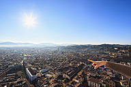 Italy, Tuscany, Florence, Cityscape, pointing to the left - FOF008319