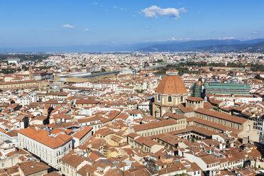 Italy, Tuscany, Florence, View of Cattedrale di Santa Maria del Fiore and Basilica di San Lorenzo - FOF008322