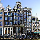 Netherlands, Amsterdam, view to canal houses in the old town - HOHF001367