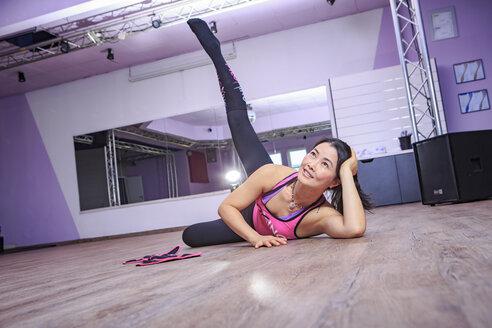 Asian woman exercising piloxing - VT000463