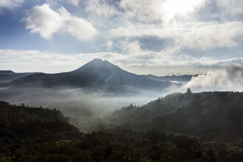 Indonesia, Bali, View of Volcano Batur in the morning light - WE000393