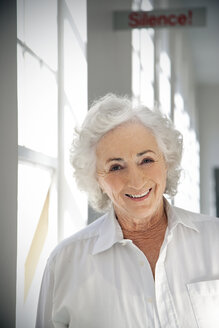 Portrait of a white haired senior woman - RMAF000196