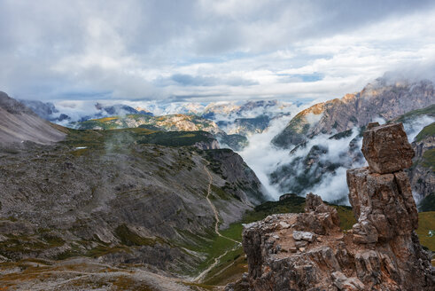 Italy, Alto Adige, Dolomites, view from Forcella Lavaredo pass on a cloudy day - LOMF000076