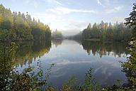 Germany,  Baden-Wuerttemberg, Rems-Murr-Kreis, morning fog above lake Ebnisee - PCF000210
