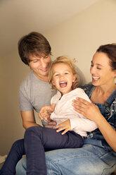 Happy family of three - TOYF001501
