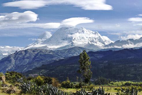 Peru, Ancash, Cordillera Blanca, Nevado Huascaran - FPF000074