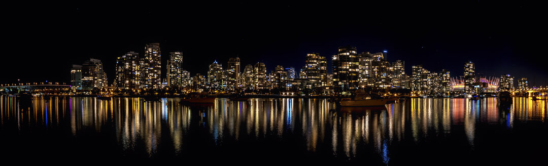 Canada, Vancouver, view to skyline at night seen from Charleston Park - SMAF000385