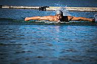 Man swimming in a lake - HAMF000092