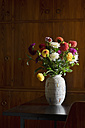 Flower vase with bunch of asters - ASF005736