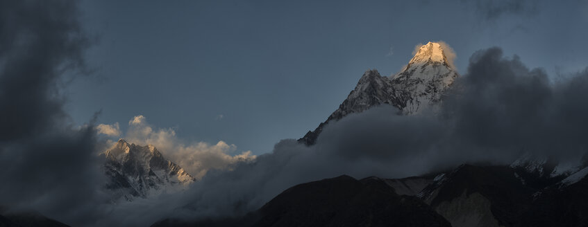 Nepal, Himalaya, Khumbu, Ama Dablam - ALRF000147