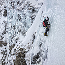 UK, Scotland, Glencoe, Ben Udlaih, woman ice climbing - ALRF000158