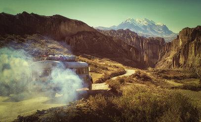 Bolivia, Altiplano, Cordillera Real, Bus in the Cordillera Real mountain range - LOMF000092