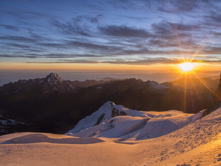 Bolivia, La Paz district, Altiplano, Sunrise on the top of Huayna Potosi mountain peak - LOMF000098