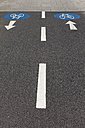 Arrow signs on bicycle lane - WIF002938