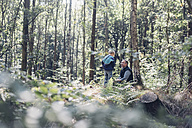 Germany, Saxony, smiling man with boy in the woods - MJF001686