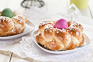 Braided Easter bread with green and pink eggs - SBDF002550