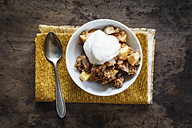 Crumble with apple, pear and quince - EVGF002535
