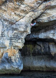 Malta, Blue Lagoon, rock climber - ALRF000268