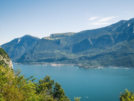 Italy, Lake Garda, View of the the Western shore - GSF001052