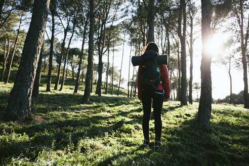 Spain, Catalunya, Girona, female hiker in the nature - EBSF001159