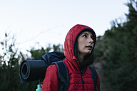 Spain, Catalunya, Girona, female hiker in the nature - EBSF001162
