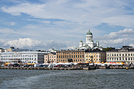 Finland, Helsinki, view to city from the harbour with Helsinki Cathedral - JBF000272