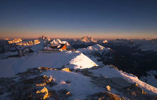 taly, Dolomites, Lagazuoi, Alpine Cabin at sunset - STCF000115