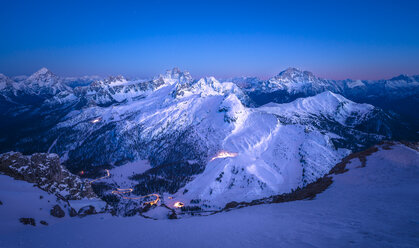 Italy, South Tyrol, Dolomites, Lagazuoi in the evening - STCF000118