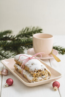 Mini Stollen with marzipan and coffee cup - ECF001839