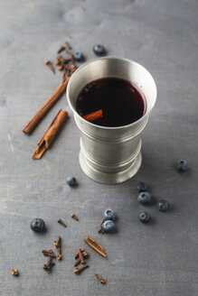 Tin cup of mulled wine - MYF001292
