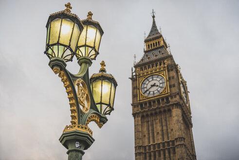 United Kingdom, England, London, Street Light and Big Ben - KEBF000322