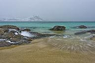 Norway, Lofoten, Hauckland Beach in winter - LOMF000170