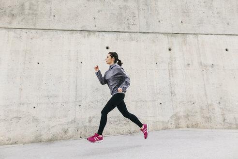 Spain, Barcelona, jogging woman - EBSF001208