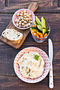 Hummus, chick peas, carrots, cucumber, baguette - SARF002444