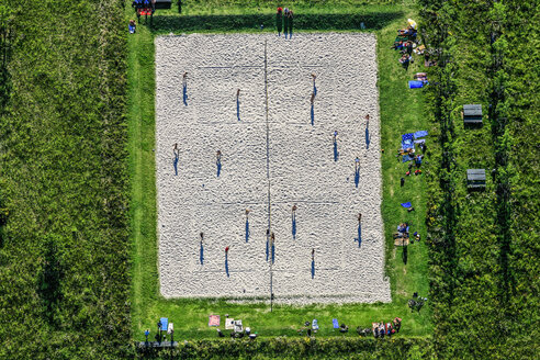 Aerial view of beach volleyball court - KLE000031