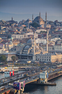 Turkey, Istanbul, view to Eminonu Harbor, Galata Bridge and New Mosque - MDIF000032