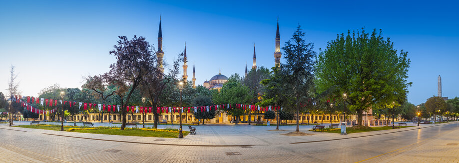 Turkey, Istanbul, view to Sultan Ahmed Mosque - MDIF000035