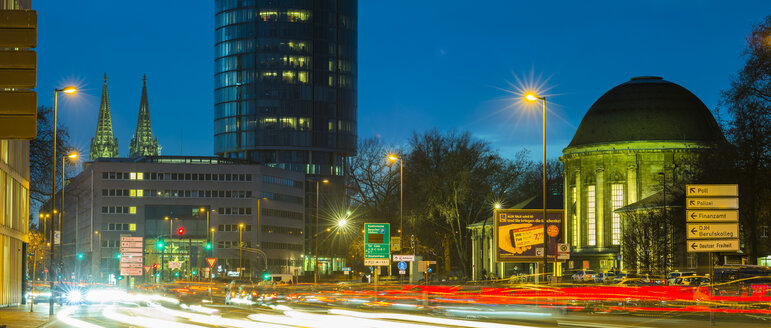 Germany, Cologne, Cologne-Deutz, Opladener Strasse, LVR Tower and station in the evening - WGF000831